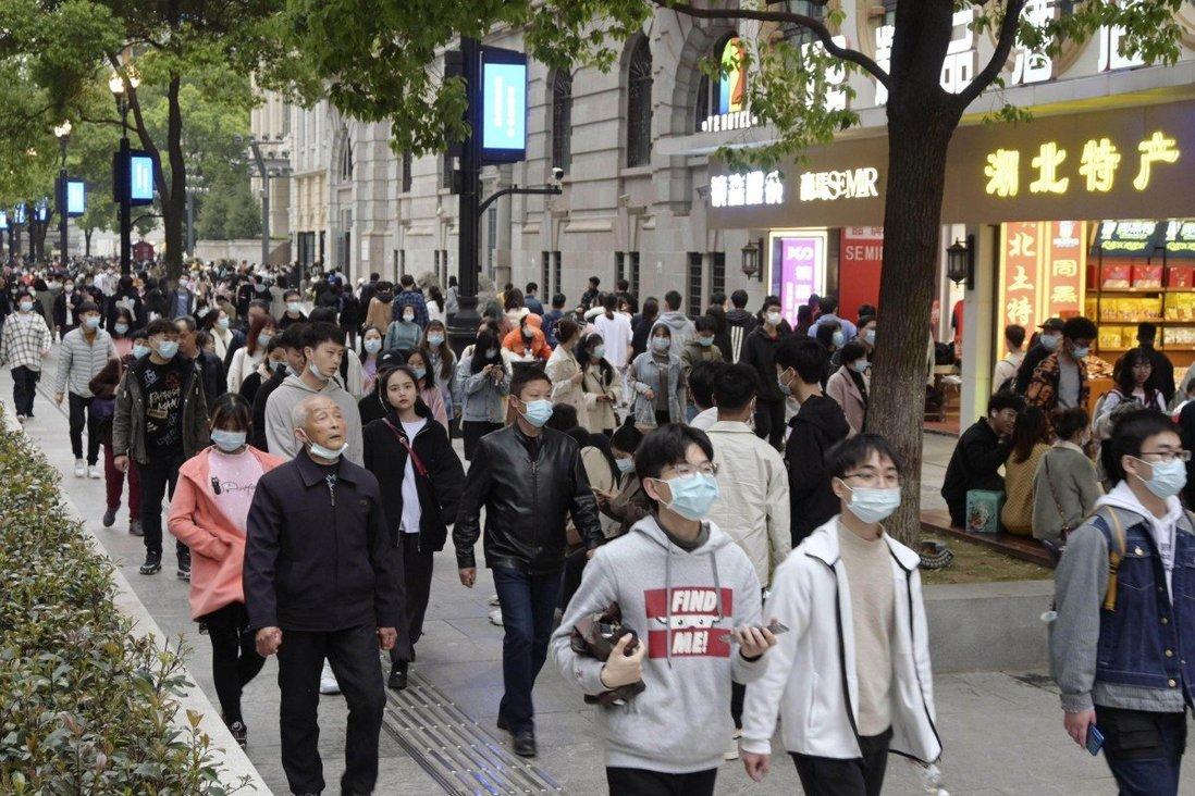 चीनको जनसंख्या निरन्तर घट्दो : तथ्याँक ब्यूरो