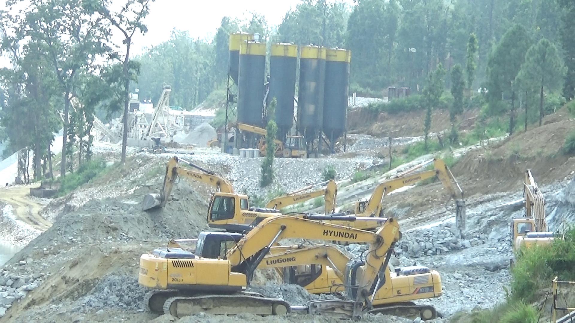 भेरी–बबई आयोजनामा मजदूर र निर्माण सामग्रीको अभाव