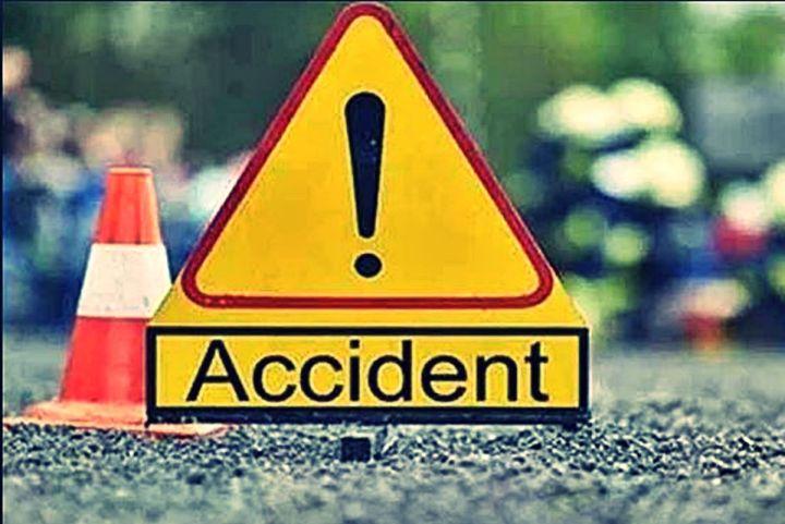 अक्सिजन सिलिण्डर बोकेको ट्रक दुर्घटना हुँदा दुईको मृत्यु