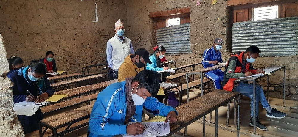 बिजुली नहुँदा कक्षा १२ को परीक्षा आधा घण्टा ढिलो !